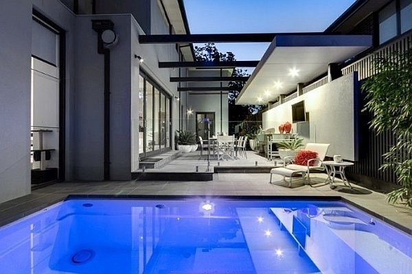 Pool Buyers Advice Selecting Fibreglass or Concrete Pool